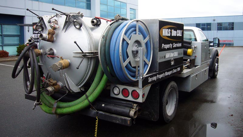 Pump-Truck-for-Catch-Basin-Cleaning
